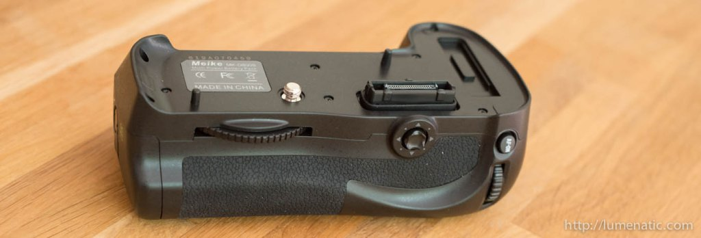 D800 grip comparison