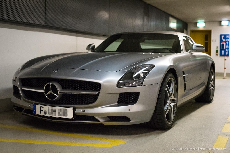 Underground car park: Mercedes Benz SLS AMG