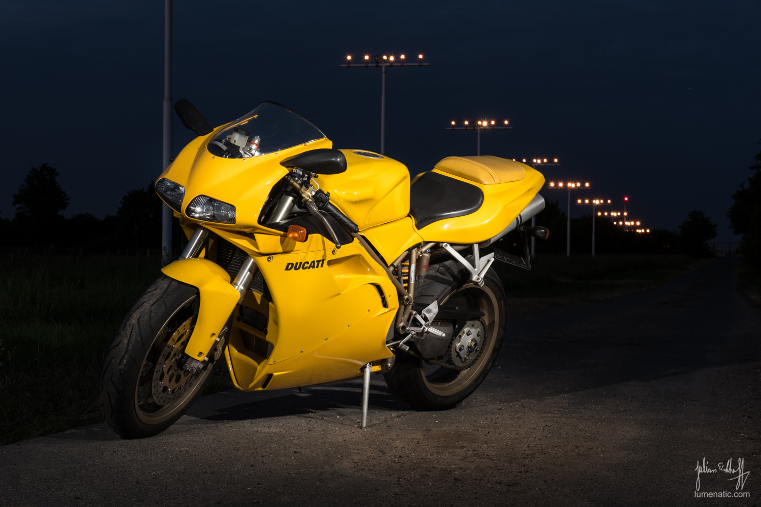 Photographing Motorbikes (Part 2/2)