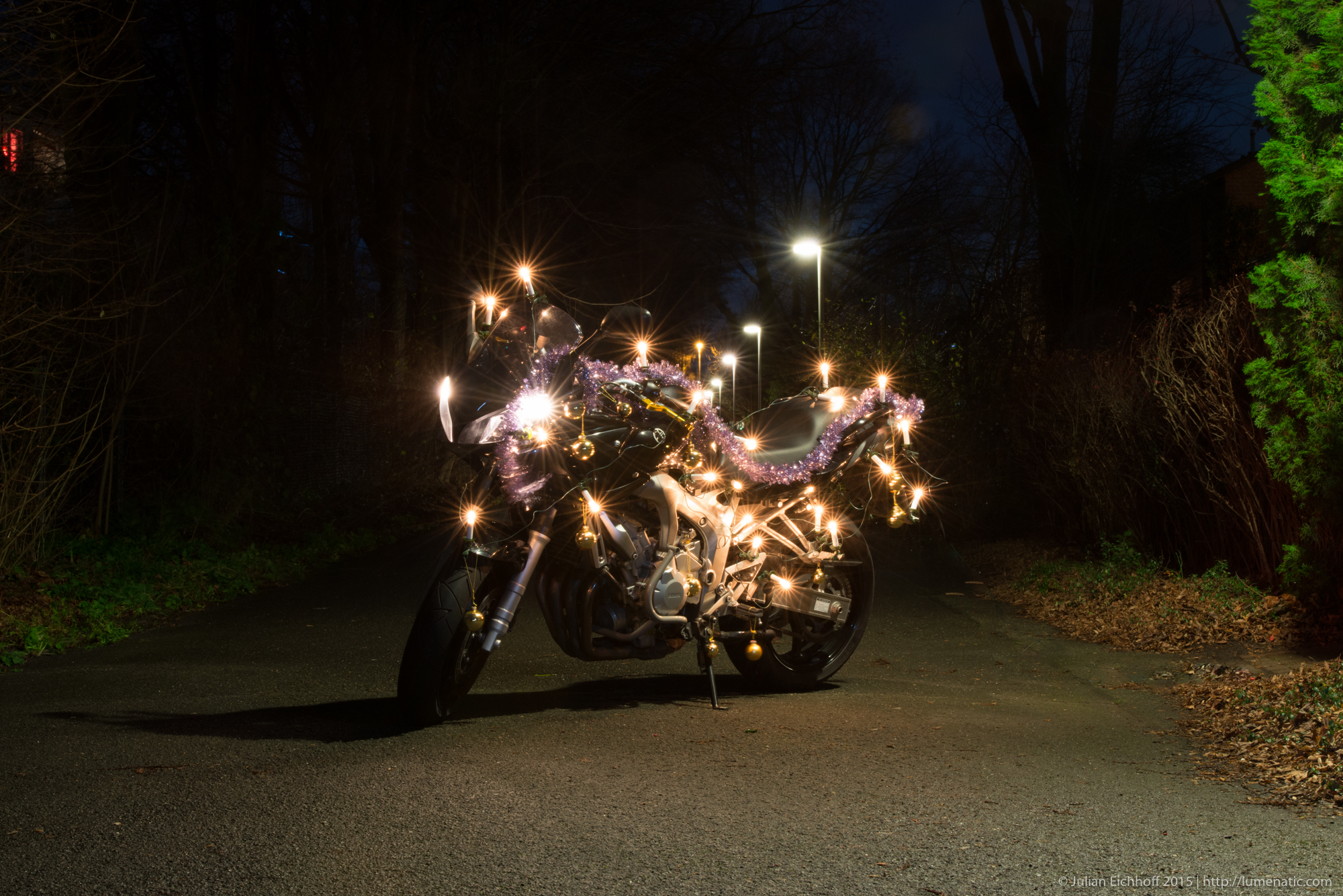 How the christmas motorbike photo was shot