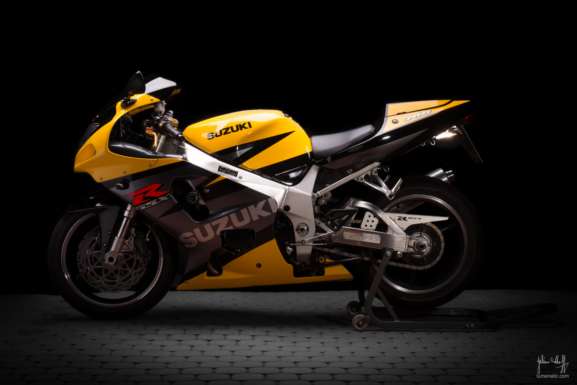 Motorbike Photography again: Suzuki GSX-R 750