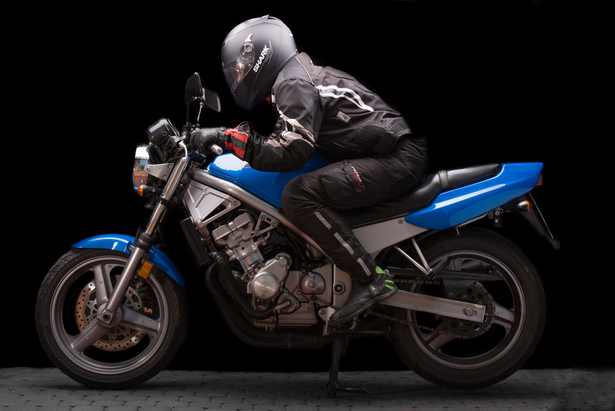 Studio Shoot, Part 1: Honda CB1 400