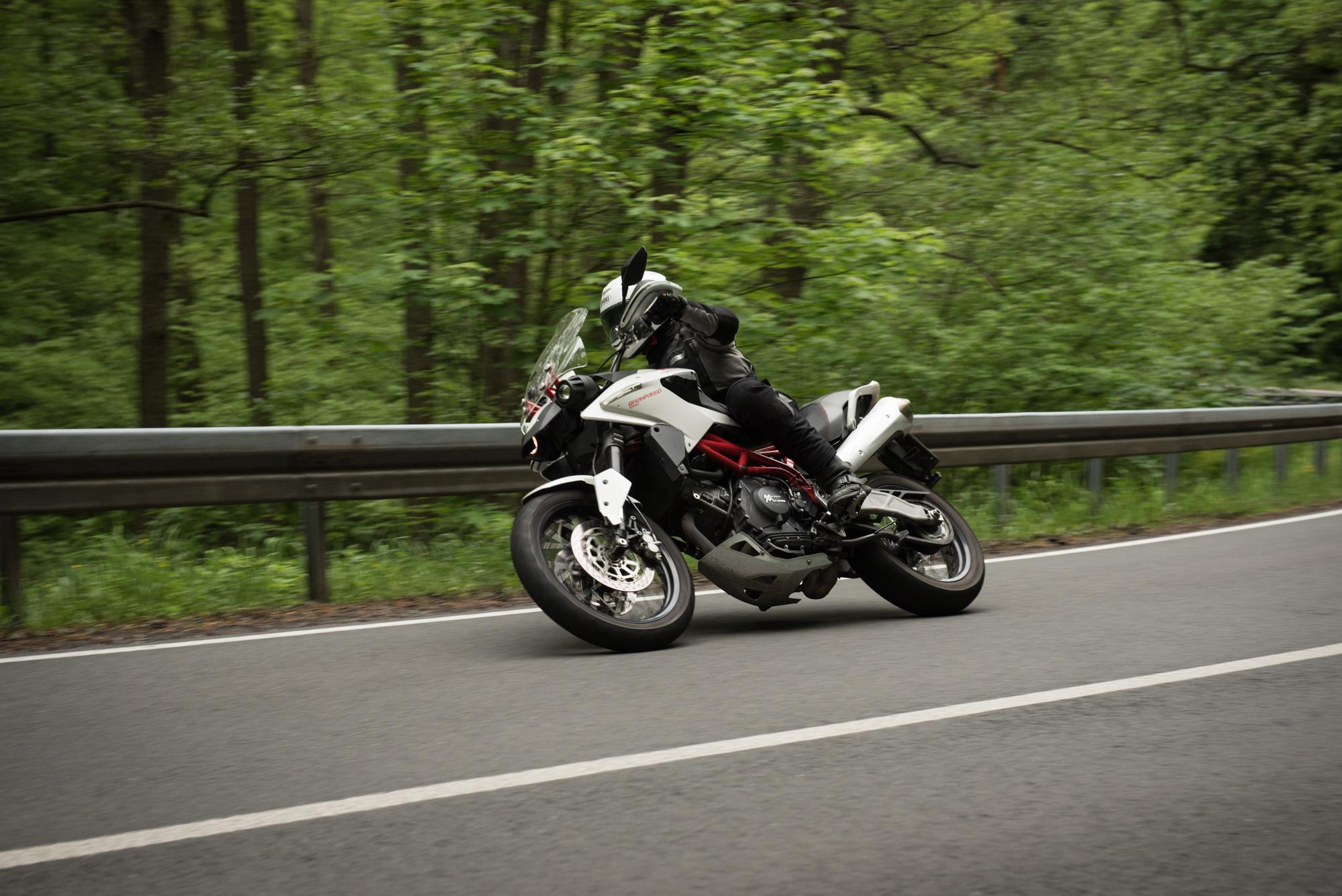 Hitting some curves (Moto Morini Granpasso)