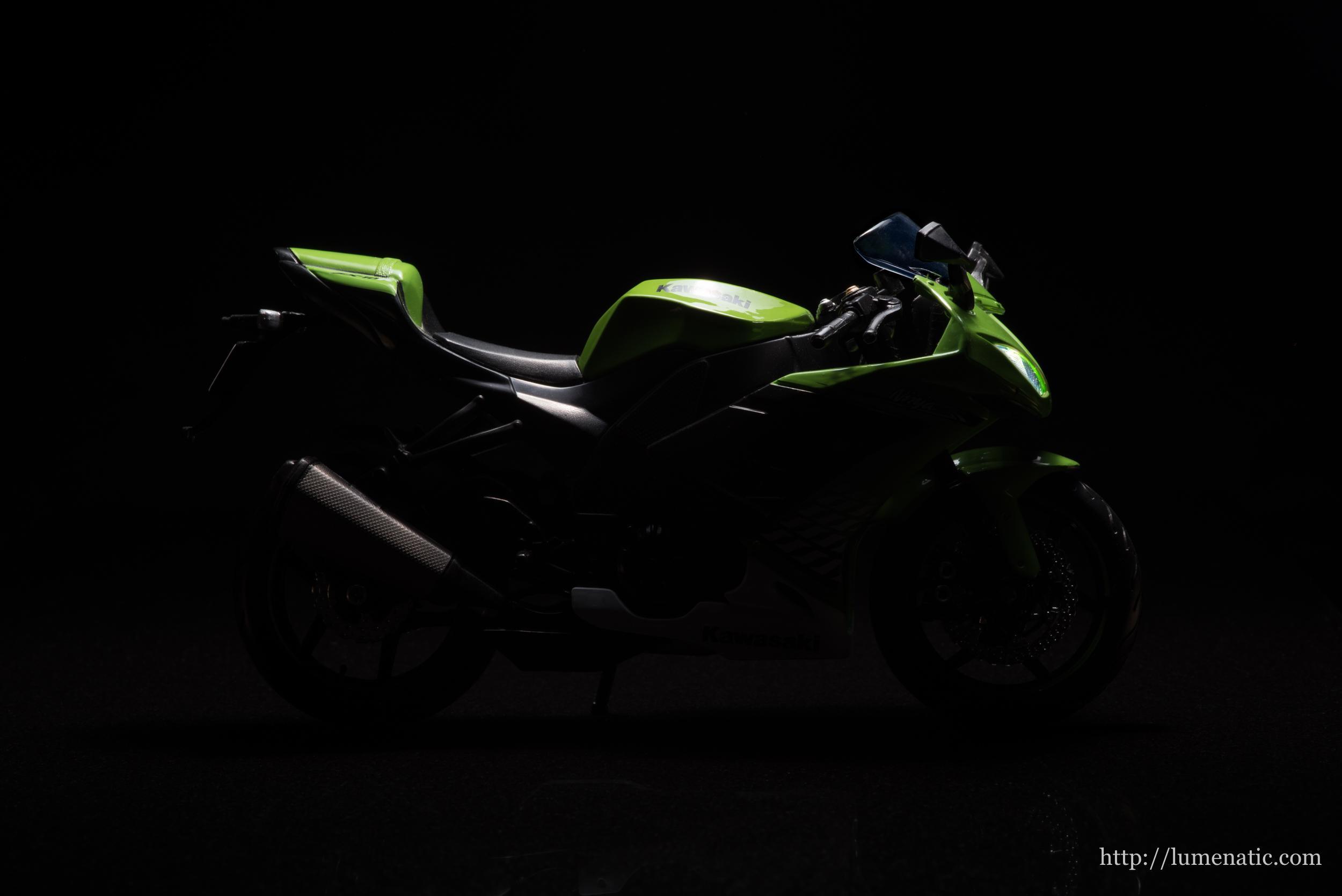 Modelle im Studio: BMW und Kawasaki