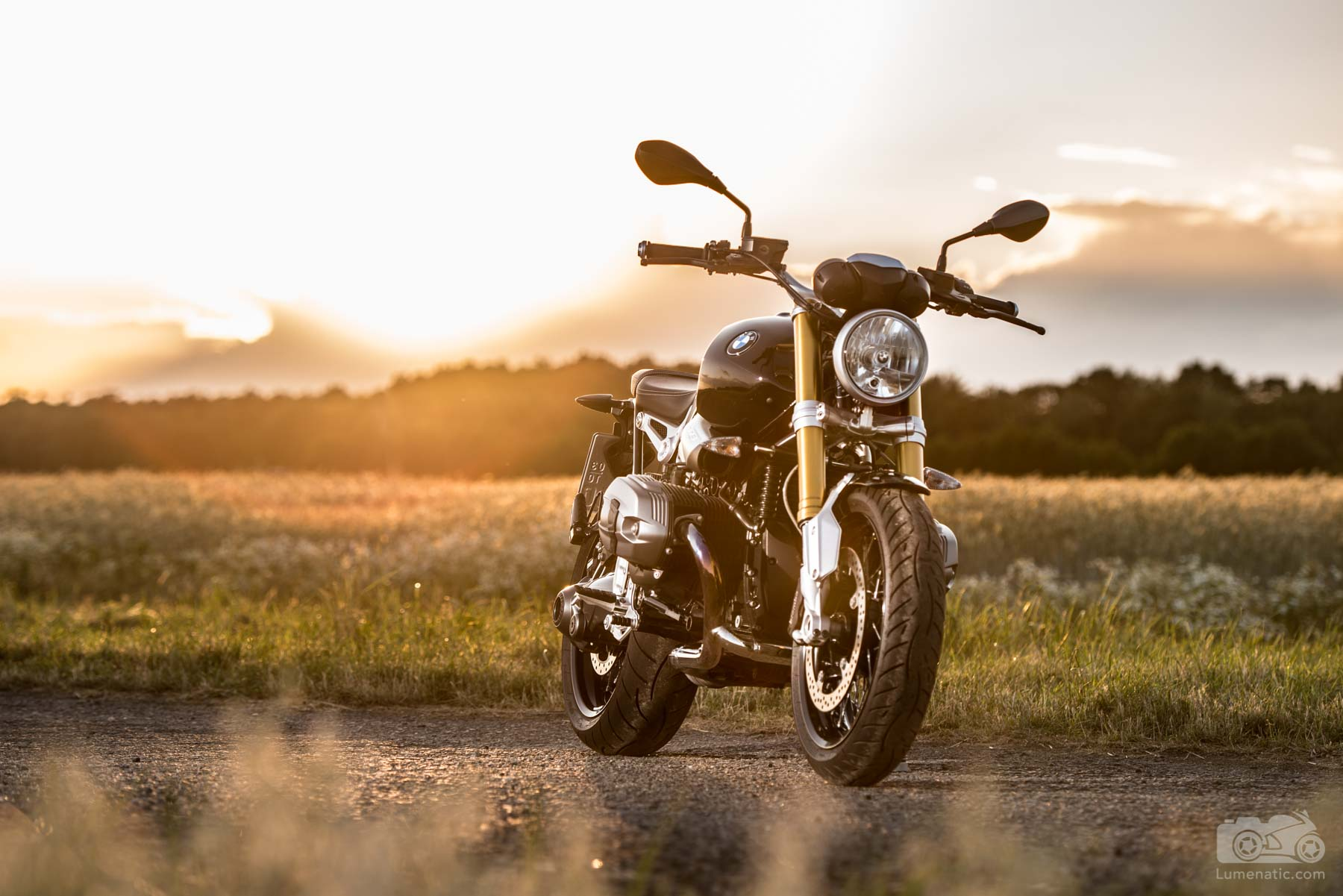 BMW RnineT Sunset